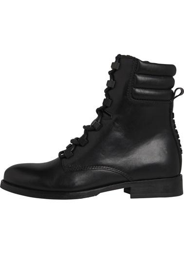 Tommy Hilfiger Kadın Pın Logo Lace Up Boot Bot EN0EN00697 Siyah